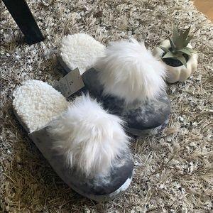 Shoes - Velvety Gray and white pom pom slippers